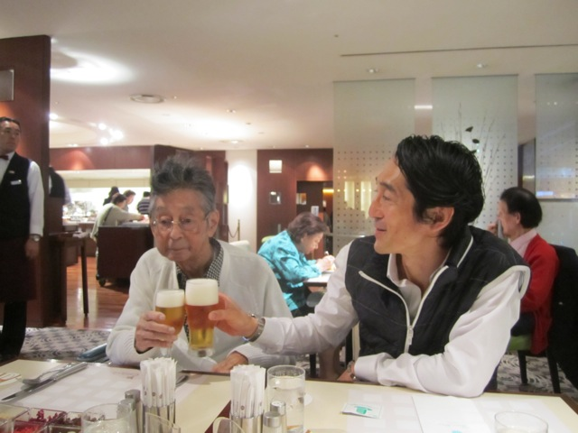 Hitotsubashi ICS Kaz Father